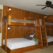 Rustic Bedroom by Thelen Total Construction
