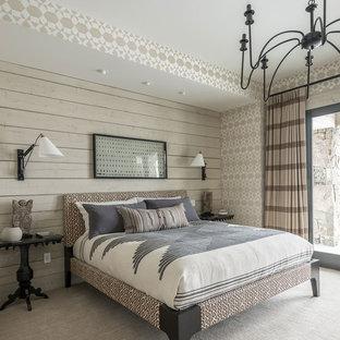 Inspiration för rustika sovrum, med heltäckningsmatta