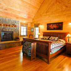 Traditional Bedroom by Mountain Log Homes of CO, Inc.