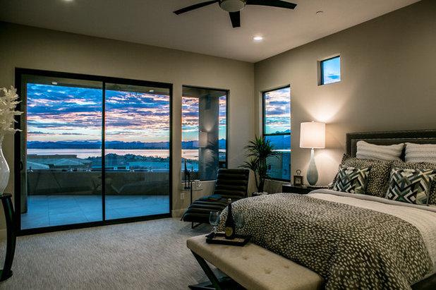 Современный Спальня by Victoria Staging & ReDesign