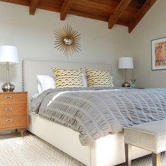 contemporary bedroom by Niche Interiors
