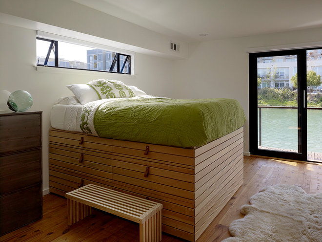Modern Bedroom by Robert Nebolon Architects