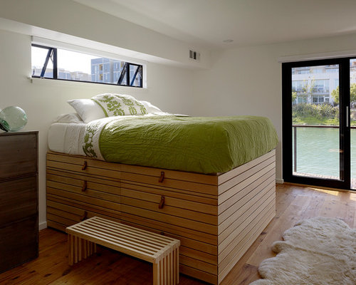 Elevated bed ideas pictures remodel and decor for Raised platform bed