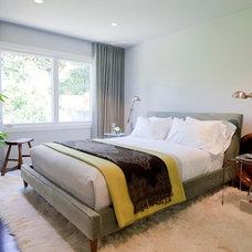 Modern Bedroom by SAWYERS DESIGN LLC