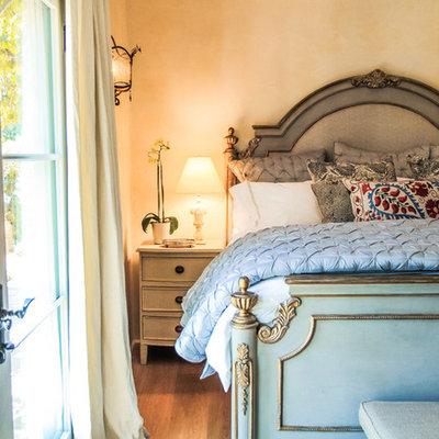 Bedroom - traditional bedroom idea in Santa Barbara with beige walls