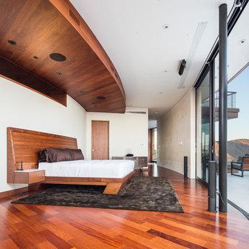 Santos Mahogany Natal - Hollywood Hills