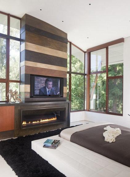 Contemporary Bedroom by WA design