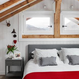 Idée de décoration pour une petit chambre nordique avec un mur blanc et aucune cheminée.