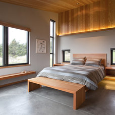 Contemporary Bedroom by Studio Bergtraun AIA
