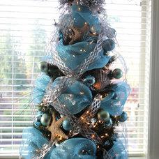 Traditional Bedroom Sea Themed Christmas Tree