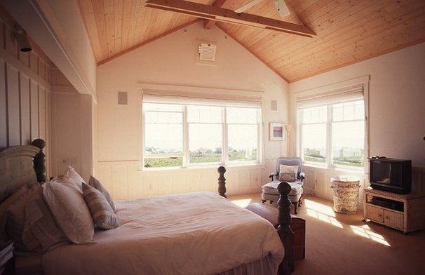 Beach Style Bedroom by Neumann Mendro Andrulaitis Architects LLP