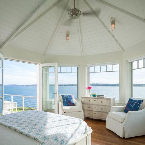 Best Beach Style Bedroom Design Ideas & Remodel Pictures