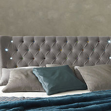 Contemporary Bedroom by IQmatics