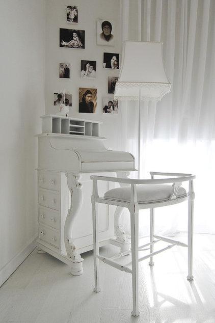 Eclectic Bedroom by Neslihan Pekcan/Pebbledesign