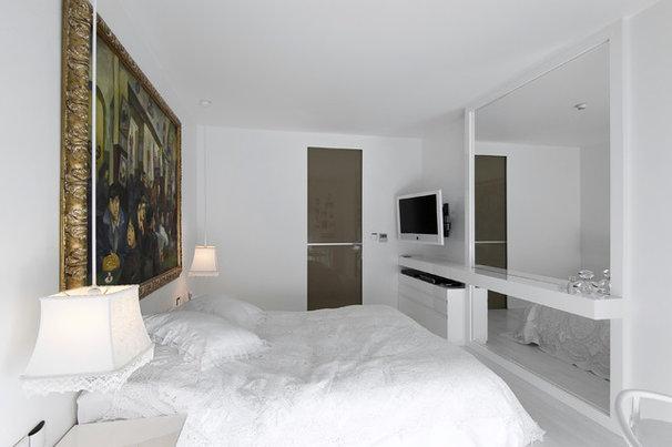 Contemporary Bedroom by Neslihan Pekcan/Pebbledesign