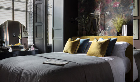 Spotted! Dark and Seductive Bedrooms Dial Up Thrills in 2021