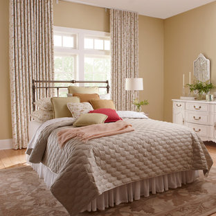 Design ideas for a shabby-chic style bedroom in Orange County.