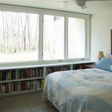 Modern Bedroom by Lynn Gaffney Architect, PLLC