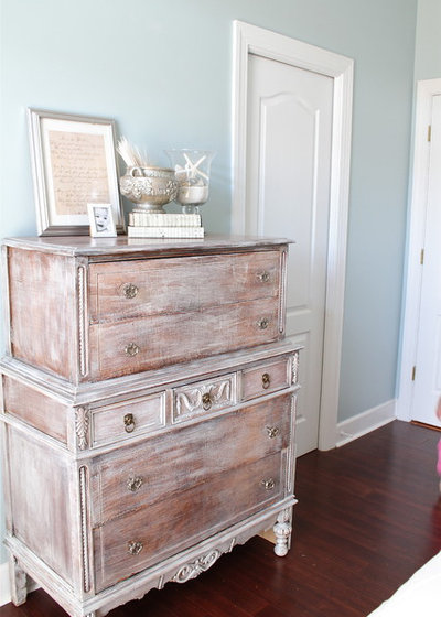Shabby-chic Style Bedroom by perfectly imperfect