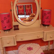 Bedroom by Shawna Feeley Interiors