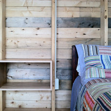 Rustic Bedroom by Solterre Design