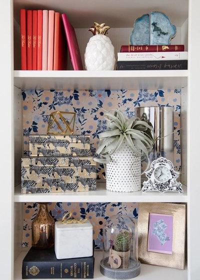 コンテンポラリー 寝室 by Get Decorated