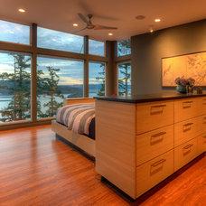 Modern Bedroom by Dan Nelson, Designs Northwest Architects