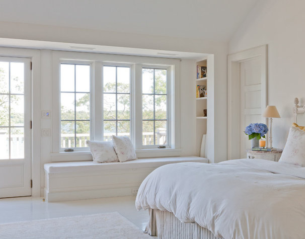 Beach Style Bedroom by Wettling Architects