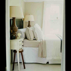 traditional bedroom by SchappacherWhite Ltd.