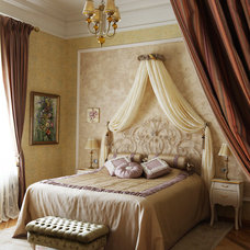 Traditional Bedroom by Fifth radius
