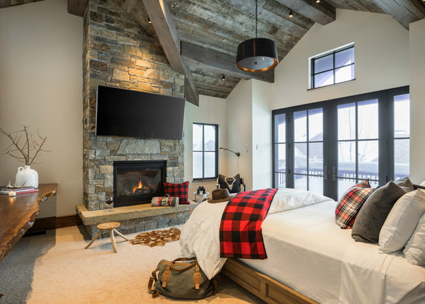 Rustic Bedroom by Design Associates Architects