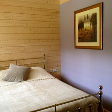 Rustic Bedroom by Silver Birch House ltd