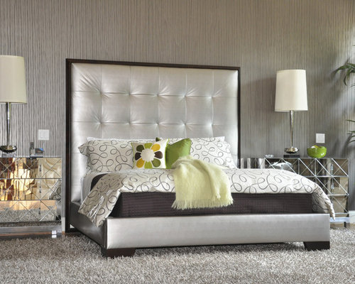 Inspiration For A Contemporary Master Bedroom Remodel In Atlanta With Gray Walls