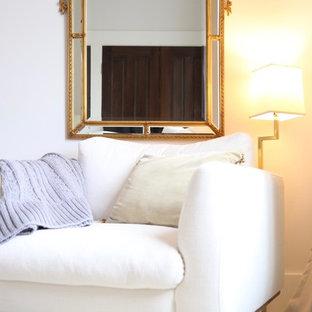 Foto de dormitorio principal, clásico, grande, con paredes grises, suelo de madera pintada y suelo turquesa