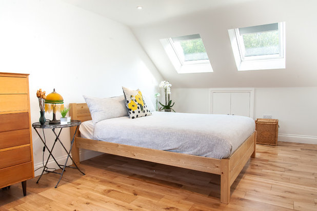 Bedroom by LLAC Construction