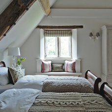 Farmhouse Bedroom by Sims Hilditch