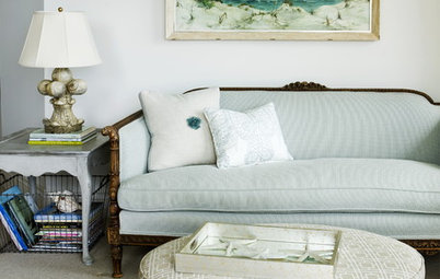 Houzz Tour: Clean-Lined and Casually Coastal