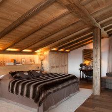 Eclectic Bedroom by MCM Designstudio
