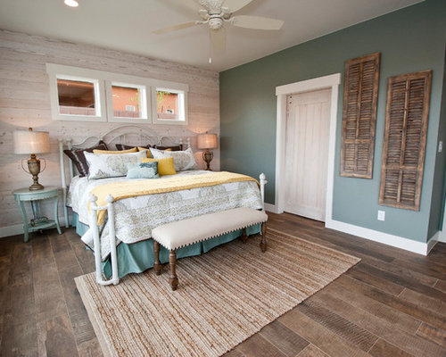 Inspiration For A Farmhouse Guest Bedroom Remodel In Salt Lake City With  Multicolored Walls, Dark