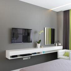 Contemporary Bedroom by SVOYA studio