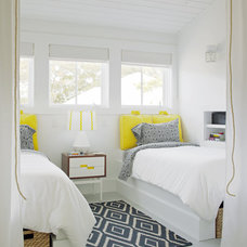 beach style bedroom by Joel Snayd
