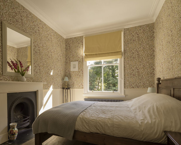 Traditional Bedroom by nimtim Architects