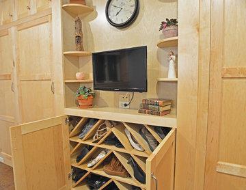 Small Spaces: Built-in Bedroom & Bathroom Suite