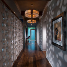 Contemporary Hall by Maggetti Construction Inc.