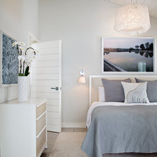 Beach Style Bedroom by Solomon Interior Design, Inc.