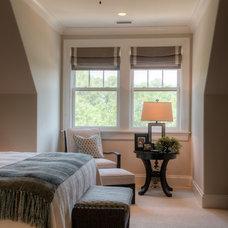 Contemporary Bedroom by Solaris Inc.