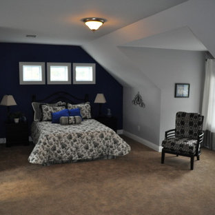 Bedroom - large traditional master carpeted bedroom idea in Philadelphia with gray walls and no fireplace