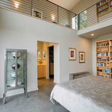 Modern Bedroom by DNM Architect