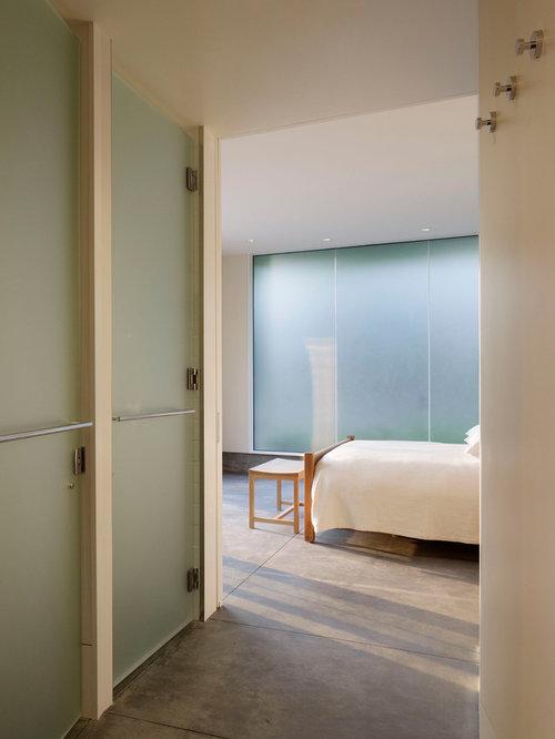 Simple Bedroom | Houzz