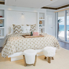 Beach Style Bedroom by Jalan Jalan Collection